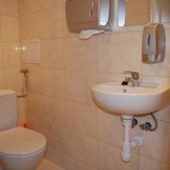 Отель Aston Hostel Польша, Краков - отзывы, цены и фото номеров - забронировать отель Aston Hostel онлайн ванная фото 2