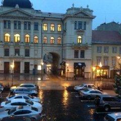 Отель Amber Apple Guesthouse Литва, Вильнюс - отзывы, цены и фото номеров - забронировать отель Amber Apple Guesthouse онлайн парковка
