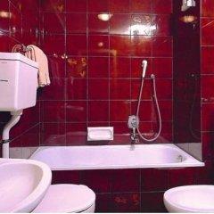 Отель Residence La Zondra Долина Валь-ди-Фасса ванная фото 2