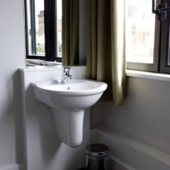 Отель YHA London St Pauls ванная фото 2