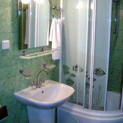 Гостиница Club-Hotel Neptun Украина, Седово - отзывы, цены и фото номеров - забронировать гостиницу Club-Hotel Neptun онлайн ванная фото 2