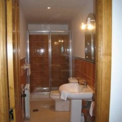 Отель Apartamentos Puente Viesgo ванная