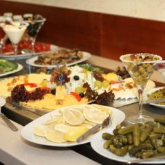 Гостиница Atyrau Hotel Казахстан, Атырау - 4 отзыва об отеле, цены и фото номеров - забронировать гостиницу Atyrau Hotel онлайн питание фото 2