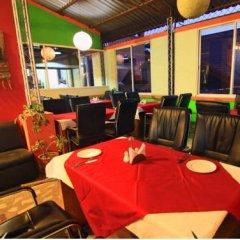 Отель Palagya Hotel & Restaurant Непал, Катманду - отзывы, цены и фото номеров - забронировать отель Palagya Hotel & Restaurant онлайн питание фото 2