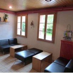 Youth Hostel Chateau-D'oex интерьер отеля
