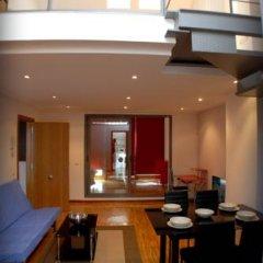 Отель Apartamentos Conde Duque DecÓ Испания, Мадрид - отзывы, цены и фото номеров - забронировать отель Apartamentos Conde Duque DecÓ онлайн помещение для мероприятий