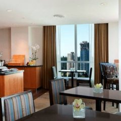 Отель Hilton Vancouver Metrotown Канада, Бурнаби - отзывы, цены и фото номеров - забронировать отель Hilton Vancouver Metrotown онлайн в номере фото 2