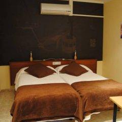 Отель Hostal Guilleumes в номере