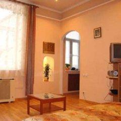 Гостиница Lviv's Opera House apartment's Украина, Львов - отзывы, цены и фото номеров - забронировать гостиницу Lviv's Opera House apartment's онлайн комната для гостей фото 4