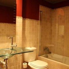 Отель Apartamentos Cueto Mazuga II Испания, Льянес - отзывы, цены и фото номеров - забронировать отель Apartamentos Cueto Mazuga II онлайн ванная фото 2
