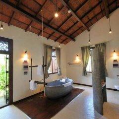 Отель Reef Villa and Spa сейф в номере