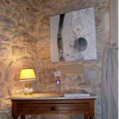 Отель Le Mas de la Treille Bed & Breakfast интерьер отеля