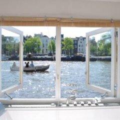 Отель Rent A Houseboat бассейн