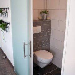 Отель Minties, Floating Bed en Breakfast ванная фото 2