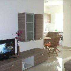 Апартаменты Garden View Apartment Меллиха удобства в номере фото 2