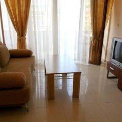Апартаменты Menada Eden Apartments Солнечный берег комната для гостей фото 4
