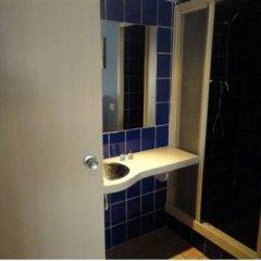 Отель Hostal Los Caracoles ванная фото 2