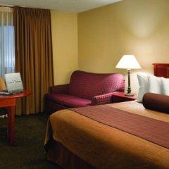Отель Quality Inn & Suites Albuquerque Downtown - University комната для гостей фото 5