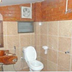 Отель Sasithorn Garden View Resort ванная фото 2