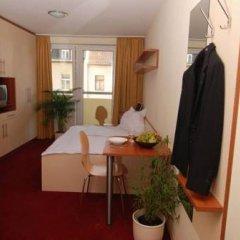 Отель Appartement-München в номере