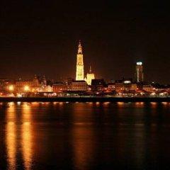Отель De Koning van Spanje Антверпен приотельная территория