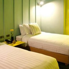 Отель The Heritage Hotels Bangkok сейф в номере