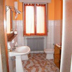 Отель Loghino Oriano Италия, Кастель-д'Арио - отзывы, цены и фото номеров - забронировать отель Loghino Oriano онлайн ванная