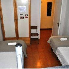 Отель Pintor Pahissa Rooms комната для гостей фото 4
