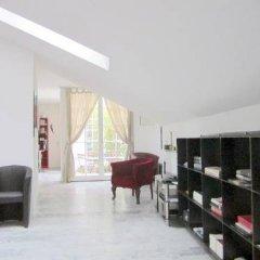 Отель Vienna Art Apartments - Penthouse Австрия, Вена - отзывы, цены и фото номеров - забронировать отель Vienna Art Apartments - Penthouse онлайн интерьер отеля фото 2