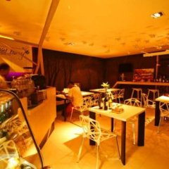 Отель Baan K Residence Managed By Bliston Бангкок гостиничный бар