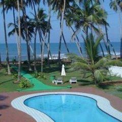 Отель Life Ayurveda Resort бассейн