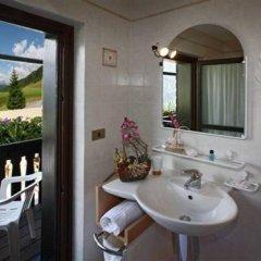 Отель Albergo Riglarhaus Италия, Саурис - отзывы, цены и фото номеров - забронировать отель Albergo Riglarhaus онлайн ванная фото 2