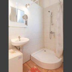 Отель Raday Apartment Венгрия, Будапешт - отзывы, цены и фото номеров - забронировать отель Raday Apartment онлайн ванная