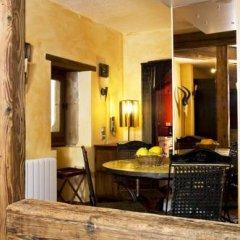 Отель Le Petit Tramassac Франция, Лион - отзывы, цены и фото номеров - забронировать отель Le Petit Tramassac онлайн интерьер отеля фото 2