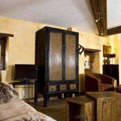 Отель Le Petit Tramassac Франция, Лион - отзывы, цены и фото номеров - забронировать отель Le Petit Tramassac онлайн интерьер отеля фото 3