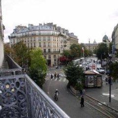 Отель Hôtel Des Halles Париж балкон