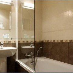 Отель Hôtel Prince Франция, Париж - отзывы, цены и фото номеров - забронировать отель Hôtel Prince онлайн ванная