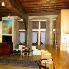 Отель Vieux Lyon Cour Renaissance Франция, Лион - отзывы, цены и фото номеров - забронировать отель Vieux Lyon Cour Renaissance онлайн интерьер отеля фото 3