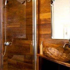 Отель Le Petit Tramassac Франция, Лион - отзывы, цены и фото номеров - забронировать отель Le Petit Tramassac онлайн ванная