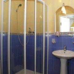 Гостиница Гурзуфские Зори в Гурзуфе отзывы, цены и фото номеров - забронировать гостиницу Гурзуфские Зори онлайн Гурзуф ванная фото 2