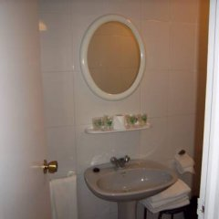 Отель Pensión San Martín Испания, Херес-де-ла-Фронтера - отзывы, цены и фото номеров - забронировать отель Pensión San Martín онлайн ванная