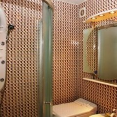 Апартаменты St Apartments On Druzhby Narodiv ванная фото 2