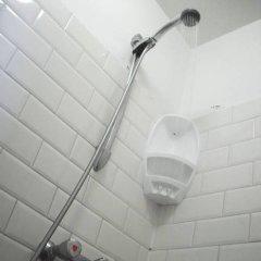 Отель Amsterdam Hostel Orfeo Нидерланды, Амстердам - 1 отзыв об отеле, цены и фото номеров - забронировать отель Amsterdam Hostel Orfeo онлайн ванная