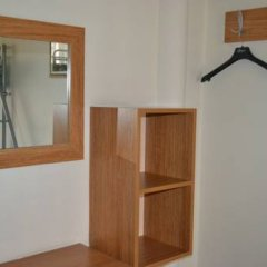 Second Home Hostel сейф в номере