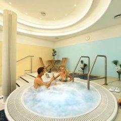 Hotel Paris Prague бассейн