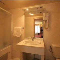 Отель Hôtel Habituel ванная