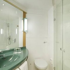 Отель Ibis Palacio De Congresos ванная фото 2