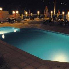 Balani Family Hotel бассейн