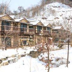 Отель Nikomiko Pension Южная Корея, Пхёнчан - отзывы, цены и фото номеров - забронировать отель Nikomiko Pension онлайн спортивное сооружение