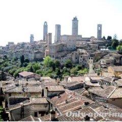 Отель Guest House La Torre Nomipesciolini Италия, Сан-Джиминьяно - отзывы, цены и фото номеров - забронировать отель Guest House La Torre Nomipesciolini онлайн приотельная территория